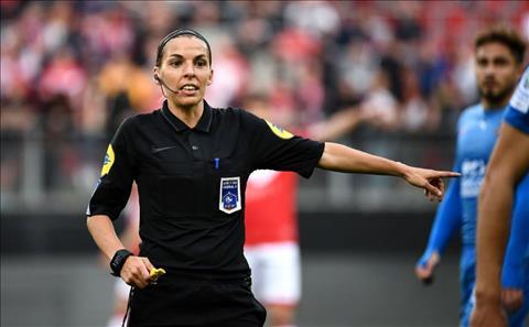 Liverpool vs Chelsea ủng hộ trọng tài nữ ở trận Siêu Cúp Châu Âu 2019 hình ảnh