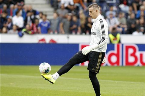 Lunin cua Real Madrid