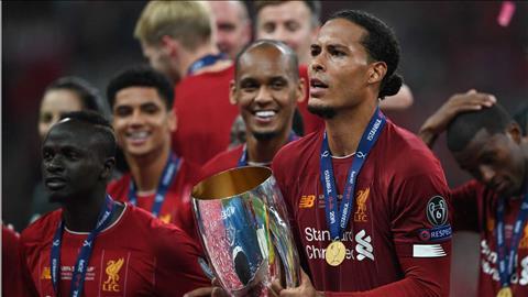 Van Dijk vui mừng sau khi đoạt Siêu cúp châu Âu hình ảnh