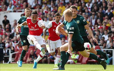 Arsenal thang Burnley 2-1 Aubameyang ghi ban