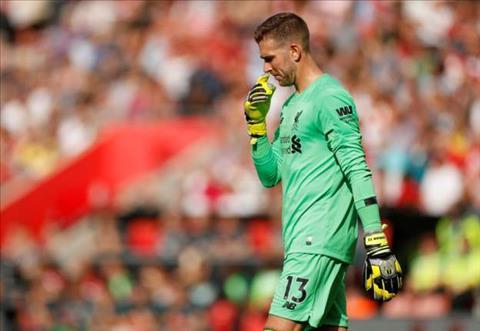 Adrian mắc sai lầm trước Southampton, đồng đội vẫn bênh vực hình ảnh