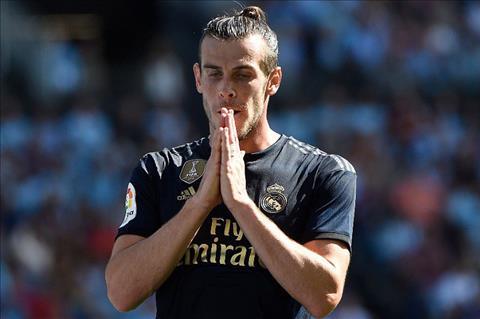 Gareth Bale vui vẻ làm golf thủ chứ không phải một cầu thủ Real Madrid hình ảnh
