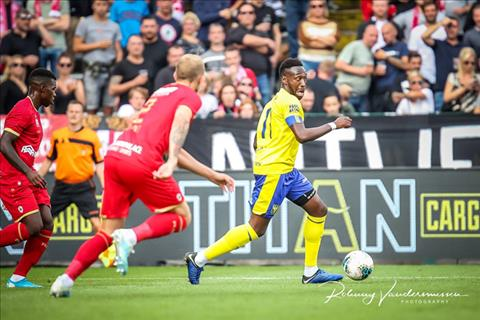 Sint-Truidense nhan tran thua thu 3 trong mua giai. Anh: STVV.