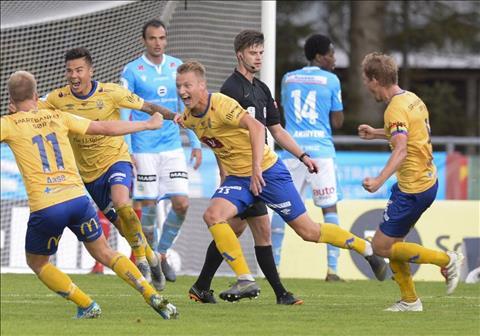 Alexander Đặng lập cú đúp bàn thắng trong màu áo đội bóng mới hình ảnh