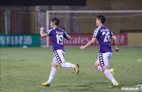 CLB Hà Nội thâu tóm toàn bộ giải thưởng V-League tháng 8 hình ảnh