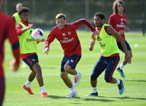 Liverpool vs Arsenal Pháo thủ đón Ozil trở lại hình ảnh