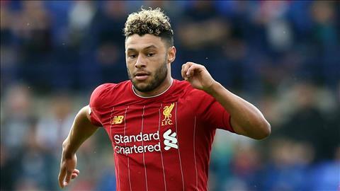 Liverpool gia hạn hợp đồng với Chamberlain đến năm 2023 hình ảnh
