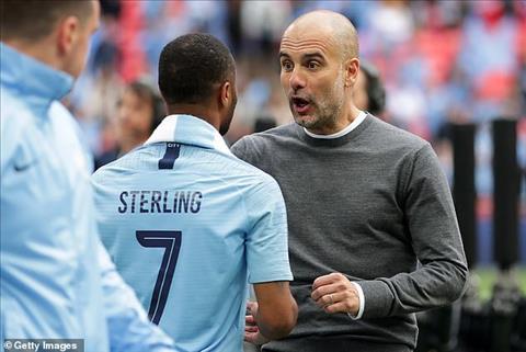 Lý do gì khiến tiền vệ Raheem Sterling ngày càng xuất sắc hình ảnh