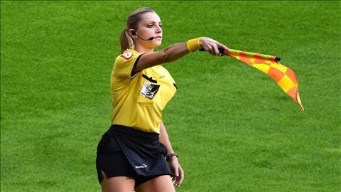 FIFA gây sốc khi lên kế hoạch loại bỏ vị trí trọng tài biên hình ảnh