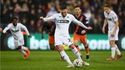 Swansea vs Cambridge Utd 1h45 ngày 298 Cúp Liên đoàn Anh 201920 hình ảnh