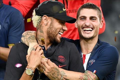 Verratti keo Neymar vao an mung cung dong doi PSG