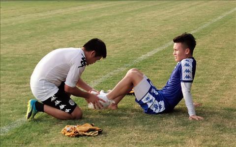 Quang Hải gặp chấn thương nhẹ trước thềm chung kết AFC Cup hình ảnh