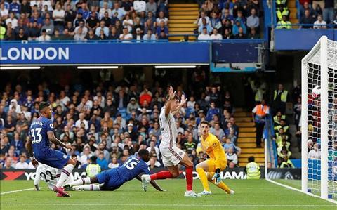 Chelsea 2-2 Sheffield Zouma phan luoi