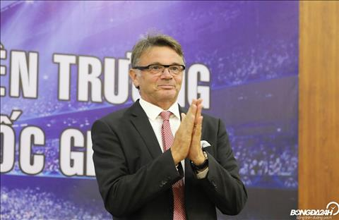 HLV Philippe Troussier đề xuất đổi kế hoạch hướng đến U19 châu Á hình ảnh