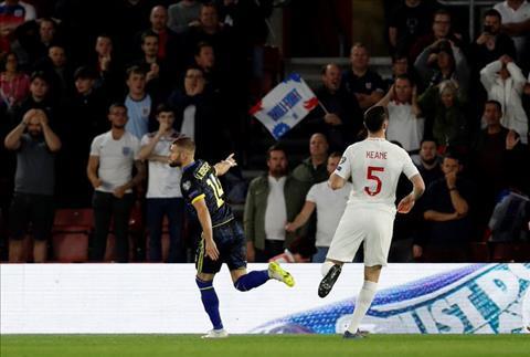 Anh 5-3 Kosovo Maguire mắc sai lầm, Kane đá hỏng 11m, Tam sư vẫn giành trọn vẹn 3 điểm hình ảnh 2