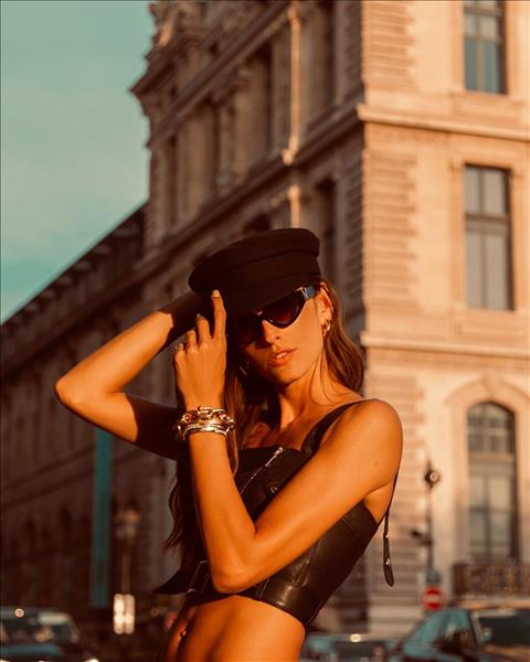 bạn gái Kevin Trap với thân hình nóng bỏng hình ảnh 8