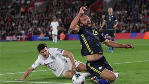 Harry Maguire mắc sai lầm trong chiến thắng của Anh trước Kosovo hình ảnh