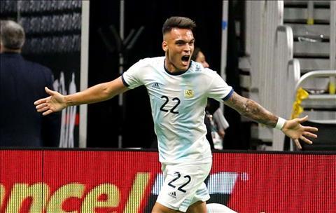 Lautaro Martinez bày tỏ sự vui mừng sau cú hat-trick cho Argentina hình ảnh