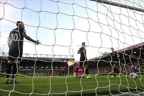 3 lý do khiến Man City thua thảm Norwich hình ảnh