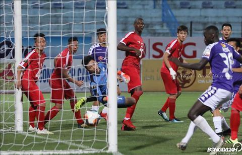 Dau hiep 2, Thanh Chung ghi ban rut ngan cach biet cho Ha Noi.