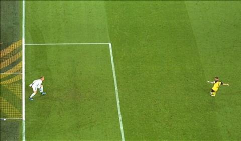 Barca vs Dortmund: Thu mon ter Stegen bat pen pham luat
