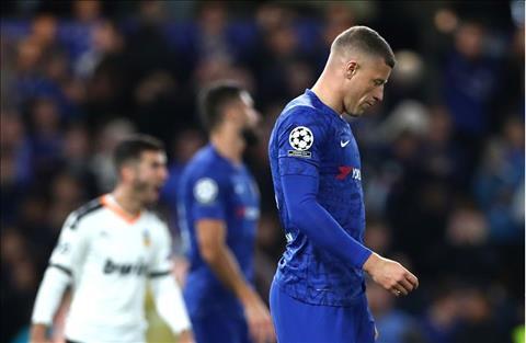 Chelsea thất thủ trước Valencia Ross Barkley và quả penalty oan nghiệt hình ảnh 2