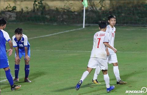 Du vay, U16 Viet Nam van ghi them ba ban nua trong hiep hai de hoan tat chien thang 7-0.