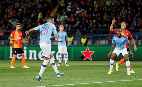 Man City thang Shakhtar Mahrez ghi ban