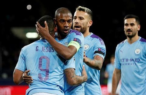 MAn City thang Shakhtar Fernandinho an mung