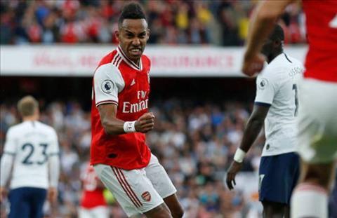 Aubameyang go hoa 2-2 cho Arsenal