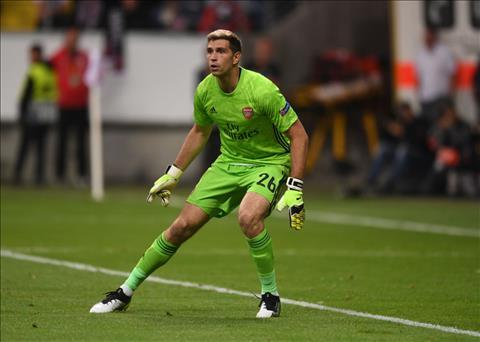Emiliano Martinez ở lại Arsenal sau lời khuyên của HLV Wenger hình ảnh