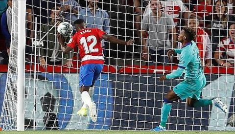 Granada 2-0 Barca Khi Messi không còn là siêu nhân… hình ảnh
