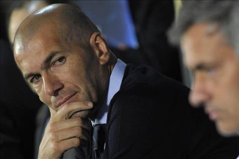HLV Zidane khong lo ngai ve Jose Mourinho