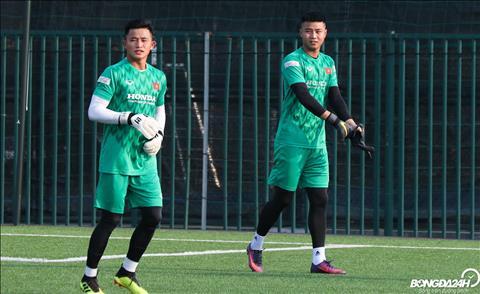 O vi tri thu mon ngoai Bui Tien Dung dang trong qua trinh chuan bi cho tran dau tai AFC Cup 2019 cung Ha Noi, Van Toan, Van Bieu hay Minh Thanh deu gop mat.