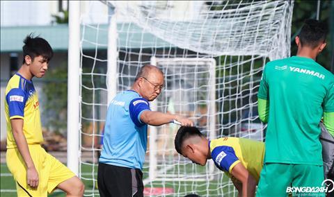 ĐT U22 Việt Nam Hà Đức Chinh xuất hiện với mái tóc lạ hình ảnh