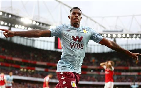 Wesley an mung ban thang Aston Villa