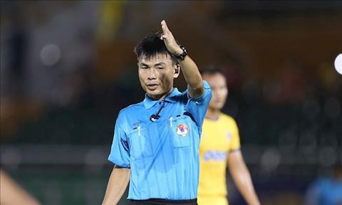 Trong tai FIFA Truong Hong Vu chac chan se phai doi dien voi an ki luat rat nang.