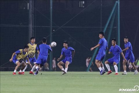 De chuan bi cho tran dau voi Ha Noi FC, April 25 bat dau tap luyen tai Trung tam dao tao Bong da tre VFF tu ngay 23/9.