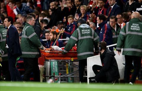 Smith Rowe dính chấn thương sau trận thắng Norttingham hình ảnh