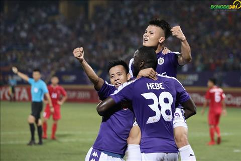 Kebe Van Quyet Quang Hai an mung Ha Noi vs April 25