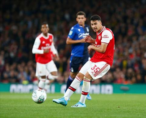 Với Gabriel Martinelli, Arsenal không còn phải lo người kế tục Auba hình ảnh