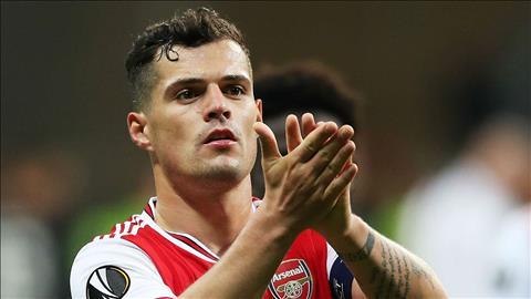 Emery đã sai khi trao băng đội trưởng cho tiền vệ Xhaka hình ảnh