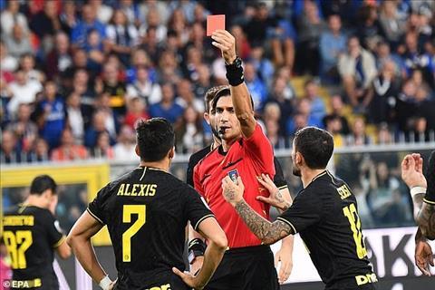 Tiền đạo Alexis Sanchez ra mắt Inter bằng cú đúp và thẻ đỏ hình ảnh