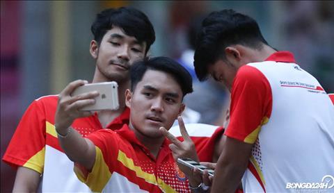 ẢNH Chuẩn bị đấu ĐT Việt Nam, Chanathip Songkrasin phô diễn kỹ thuật trên sân tập hình ảnh 2