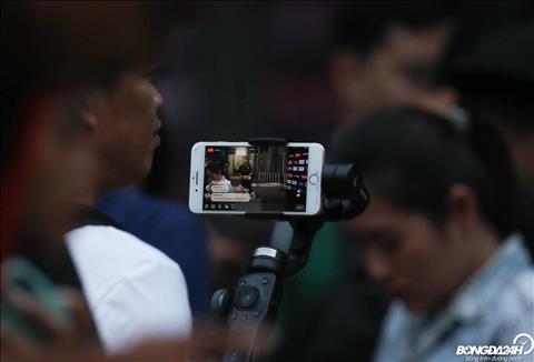 Đấu Việt Nam, Chanathip Songkrasin phô diễn kỹ thuật trên sân tập hình ảnh