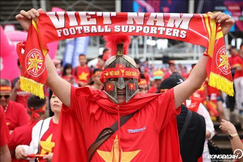 ẢNH Đấu Thái Lan, ĐT Việt Nam được tiếp lửa bởi dàn CĐV hùng hậu hình ảnh 2