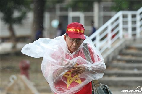 Nhìn lại màn tiếp lửa đầy cảm xúc của CĐV Việt Nam trận gặp Thái Lan hình ảnh