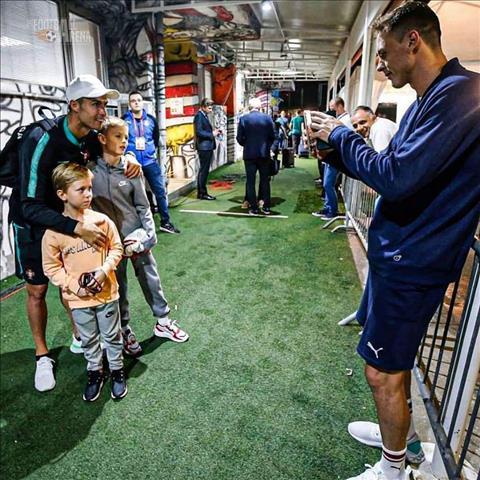 Thất bại trước BĐN, Matic quyết gặp bằng được Ronaldo hình ảnh