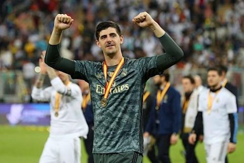 Thủ môn Courtois lần đầu tiên được vinh danh ở Real Madrid hình ảnh