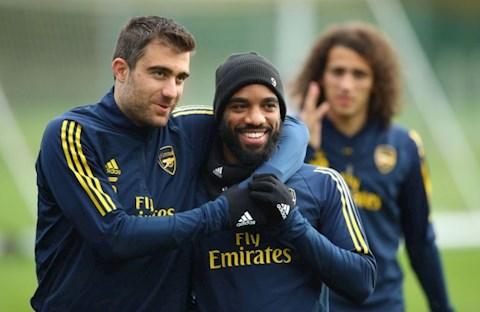 Arsenal đặt niềm tin vào tiền đạo Alexandre Lacazette hình ảnh